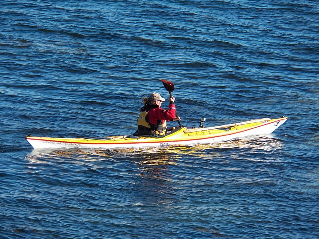 kayak-72911_640